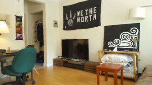Beautiful sunny 1 bedroom south end - call 902 497 0325