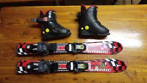 Kids Atomic Skiis and boots