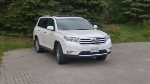 Toyota Highlander Limited, 2011, 98,700 km, White Pearl