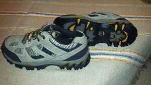 Kodiak Safety Shoes  size 8 EE