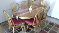 Dining Table (Extendable) with 6 Chairs