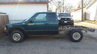 Parting out: 1996 Chevy S10 4x4