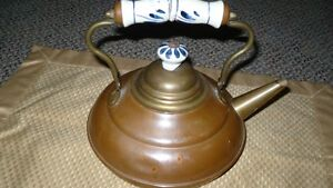 VINTAGE ADORABLE MIXED METALS TEAPOT WITH DELFT BLUE HANDLE Kitchener / Waterloo Kitchener Area image 2