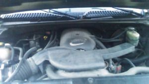 02 chevy avalanche 1500 4 door v8 vortec 5.3l