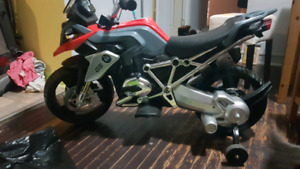 BMW BATTERY POWERED KIDS MOTORCYCLE