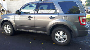 2011 Ford Escape XLT - Very Clean - Safety + E-Tested