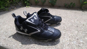 Under armour baseball Kleets/shoes