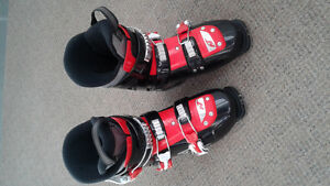 Nordica Team 3 Youth Ski Boots Size 23.5