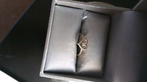 Heart ring from Peoples