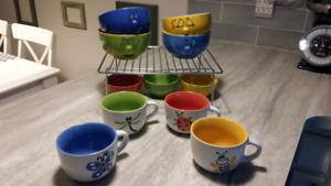 Vaisselles colorées et ludiques