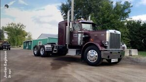 Awesome working and immaculate shape 1985 peterbilt 359 Peterborough Peterborough Area image 1