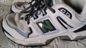 NEW BALANCE SHOES.  X wide width.  Size 6 1/2
