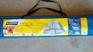 Easy Up SCREEN HOUSE (brand new & unopened)