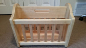 Magazine rack, shows new, great quality wood