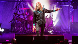 Robert Plant (from Led Zeppelin) w/Sheryl Crow - Greatly Reduced