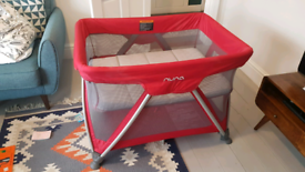 Nuna travel cot / bassinet