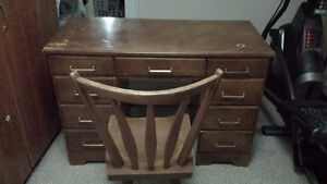 Sturdy wooden desk & Chair