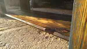 Barn board coffie table 2foot by 5foot by 16 inch Cambridge Kitchener Area image 5