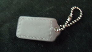 Medium gray leather Coach hang tag for a purse or keys West Island Greater Montréal image 2