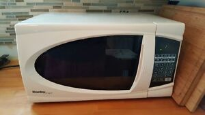 Working, clean microwave, rarely used