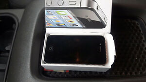 Iphone 4s *mint condition* Kingston Kingston Area image 1