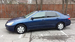 2003 Honda Accord LX Berline well maintained + many extras