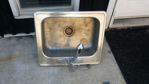 Single Kitchen Sink, Drain and Faucet