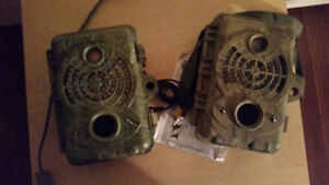 2 spy point cameras 70$ for both
