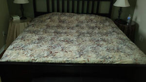 King size duvet cover; valance; table cloths
