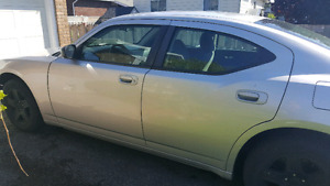 2007 RWD Dodge Charger. Only 134000 Kms!