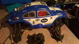 Hpi savage 4.6ss one complete running one complete but apart.  Kitchener / Waterloo Kitchener Area image 2