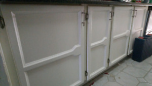 Kitchen doors, hinges and extras