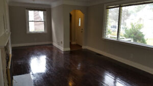 Updated bungalow for rent in Ancaster Village
