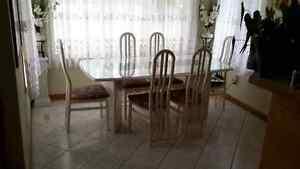 Set de cuisine blanc 6 chaises et table rectangulaire