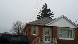 2BR Detached Bungalow, inclusive all bills, walking to Lake/Park