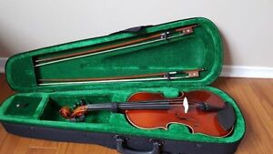 3/4 Violin, Barley used