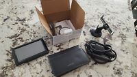Garmin Nuvi 1490 GPS with leather carry case!