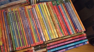 Childrens Chapter Books. Assorted. 25$ per box.