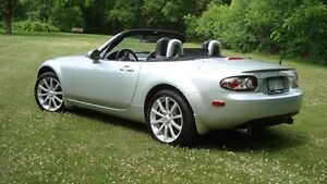 2007 Mazda MX-5 Miata GT Coupe (2 door)