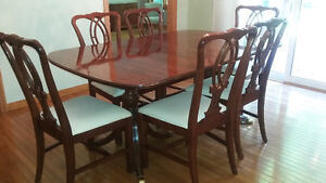 """Gibbard Dining Room Set. 114"""" Banquet Tabel, 8 Chairs, Buffet"""