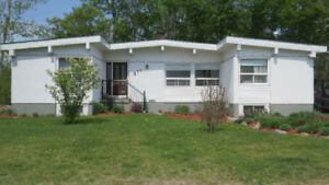 Phenominal Family Home in Elliot Lake