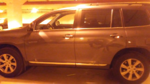 2011 Toyota Highlander for sale.