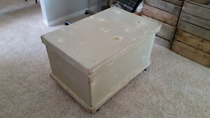 Refurbished Treasure Chest/Toy Storage/Wood Trunk with Wheels