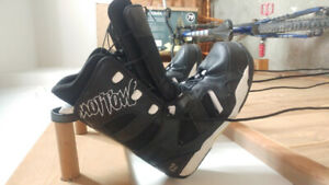 Snowboard boots men's size 9
