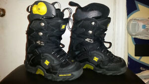 DC-SHOES MEN'S SNOWBOARD BOOTS BLACK SIZE 7.5 / EXCELLENT BOOT