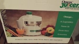 Omega Juicer Pro style Priced $90 or BO
