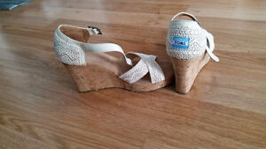 Toms Strappy Wedges size 9.5 never worn