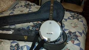 5 string banjo with Remo weather head