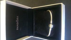 New PANDORA  Bracelet.