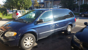 Chrysler Town and Country / Dodge Caravan